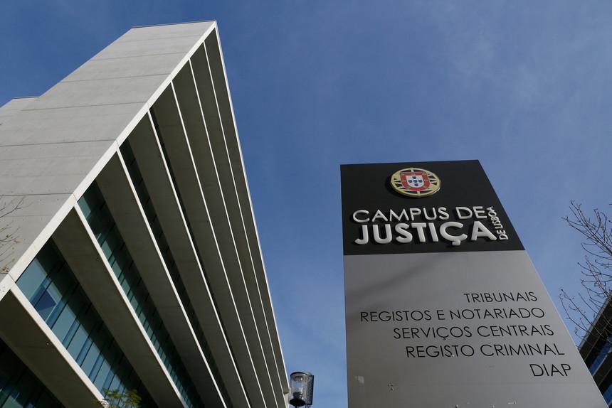 Parlamento aprova suspensão de prazos e de diligências em processos judiciais